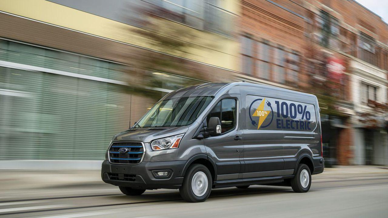 Prima utilitară electrică Ford apare pe piaţă în 2022. Detalii despre noul E-Transit