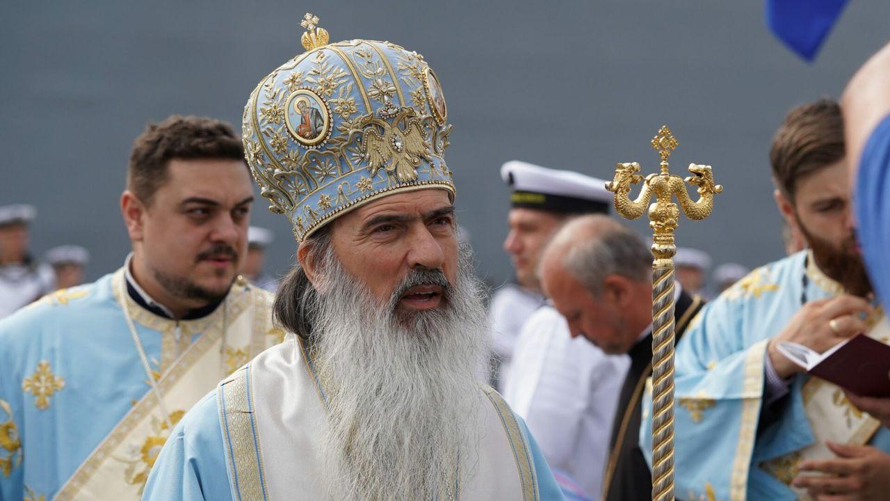 ÎPS Teodosie sfidează regulile impuse de autorități. Arhiepiscopul oficiază slujbă la miezul nopții