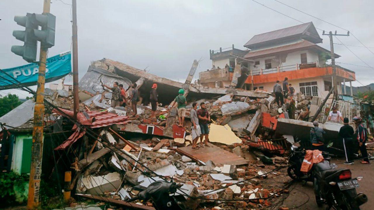 Un cutremur de 6,2 a provocat dezastru în Indonezia. Sunt cel puţin 34 de morţi, zeci de clădiri s-au prăbuşit VIDEO