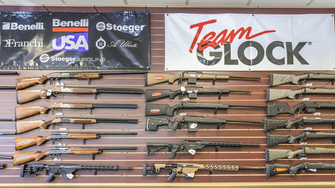 Facebook interzice anunturile care promovează accesoriile pentru arme, în urma atacului de la Capitoliu
