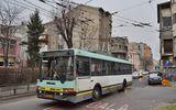 Circulaţie blocată în centrul Bucureştiului. Zecii de troleibuze au fost oprite pe traseu