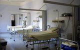 Pompier infectat cu COVID, mort într-un salon neîncălzit. Soţia: A murit cerând o pătură