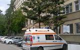 Scandal la spitalul județean Ploiești. Rudele unui pacient au lovit cu pietre o ambulanță