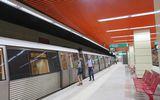 Mecanic de metrou din Bucureşti, atât de beat încât nu a mai putut pleca cu trenul de pe loc