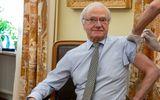 """Regele Suediei s-a vaccinat. Carl Gustaf a fost comparat cu președintele României: """"Close, but not Klaus enough"""""""