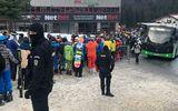 Cel mai aglomerat weekend în Poiana Braşov. Jandarmeria intervine pentru respectarea măsurilor anti-COVID