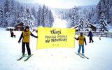 Protest pe schiuri pentru eliminarea pensiilor speciale. Mesajul inedit al manifestanţilor pentru Guvernul Cîţu şi Parlament VIDEO