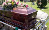 Tânăr cu COVID din Gorj, înmormântare cu lăutari şi 100 de participanţi. S-au dat amenzi pe bandă rulantă
