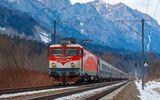 CFR Călători suplimentează numărul de trenuri în minivacanţa de 1 Mai şi Paşte. Biletele se pot cumpăra şi online