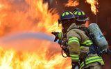 Incendiu puternic la un spital. Flăcările au izbucnit într-o cameră de depozitare din incinta unităţii medicale