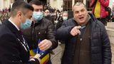Cine este bărbatul care a aruncat iaurt pe primarul Mihai Chirica. Acesta a mai agresat un fost preşedinte al României
