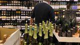 Norvegienii au interdicţie la alcool în restaurante şi baruri încă o săptămână. Ce restricţii a mai impus guvernul de la Oslo