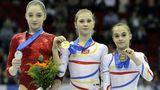 Amelia Racea, fostă medaliată cu aur la Europenele de gimnastică, este acum artist la Circul Metropolitan