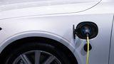 Revoluţie în industria auto! Bateria pentru maşinile electrice care se încarcă în 5 minute a fost produsă