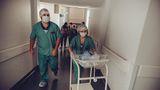 De necrezut! Medicii au declarat un bebeluș mort din GREȘEALĂ! L-au băgat în congelator, el fiind încă în viață