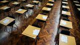 """Şcoli închise în continuare în Anglia. Premierul anunţă că se redeschid """"poate pe 8 martie"""""""