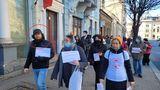 FABULOS! Un judecător de la secţia penală a Judecătoriei Cluj-Napoca, surprins fără mască la protestul AUR