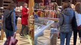 """Maia Sandu, la cumpărături. Cum a fost surprinsă preşedinta Republicii Moldova: """"Este ceva ieșit din comun!"""" VIDEO"""