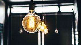 Răsturnare de situație la facturile de curent electric. Anunțul venit de la Guvern. Se schimbă total regulile