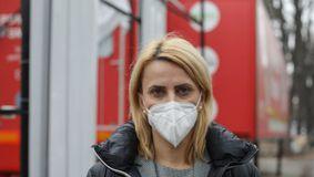 Panică în România! Tulpina de COVID care face ravagii chiar şi printre cei scăpaţi de boală