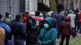 Intră în vigoare chiar de ASTĂZI. Restricții și izolare pentru sute de mii de români