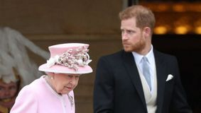 Regina Elisabeta a uimit o lume întreagă! NIMENI nu a observat gestul. Ce a făcut în timpul funeraliilor prințului Philip