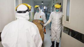 Caz alarmant în România. A murit de COVID-19, cu vaccinurile făcute