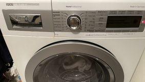 Scapă de calcarul și bacteriile din mașina de spălat rufe cu doar 5 lei, ai în casă cele necesare