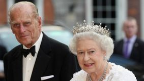 Regina este DEVASTATĂ după moartea soțului ei. Din păcate Prințul Philip…