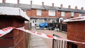 Tragedie fără margini în Belfast. O româncă este acuzată că și-a înjunghiat copiii cu sânge rece. Fiul de 8 luni a murit pe loc, iar sora lui este în stare critică la spital