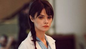 """Nazli din serialul """"Doctorul minune"""", schimbare radicala de look, dupa incheierea filmarilor! Iata cum arata acum celebra actrita Sinem Unsal!"""