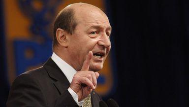 """Traian Băsescu, după ce liderii PSD şi USR şi-au dat demisia din Parlament, pentru a nu lua pensie specială: """"Lichelismul politic a ajuns la culmi"""""""