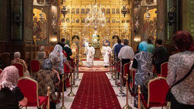 Enoriași amendați la Constanța. Au participat la o slujbă în interiorul bisericii fără să poarte masca de protecție