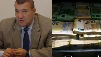 """STENOGRAME incredibile din cazul permiselor false de la Suceava: """"Sunt 50.000 în bancnote de 50 de euro. Să-i facă în 100 sau 200 de euro"""""""