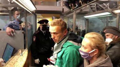 Alexei Navalnîi va sta în arest până pe 15 februarie. Opozantul lui Vladimir Putin le cere ruşilor să iasă în stradă