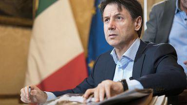 Lovitură de teatru în Italia. Premierul Giuseppe Conte şi-a dat demisia