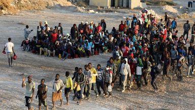 Pandemia a încetinit migraţia cu aproape 30%, anunţă ONU