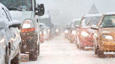 Alertă meteo COD PORTOCALIU de ninsori viscolite în următoarele ore la munte. Ploi în restul ţării