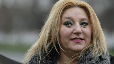 Diana Șoșoacă a fost blocată pe Facebook! Senatoarea își ia adio de la celebrele LIVE-uri
