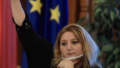 """Diana Şoşoacă: """"Acum se pregătesc interdicţiile de Paşti. Nu o să oprească nimeni normalitatea, mai ales în România. Le cer românilor să iasă în stradă"""""""
