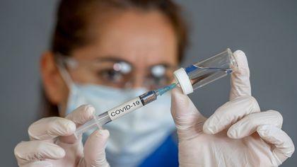 Campania de vaccinare cu Pfizer se va relua sâmbătă. 156.000 de persoane ar putea fi imunizate în 20 de zile