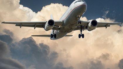 Alertă la bordul unui avion. Un individ a fost la un pas să deturneze aeronava, deasupra Golfului Persic!