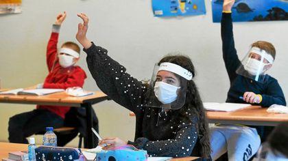Coordonatorul campaniei de vaccinare în România: Elevii ar putea avea prioritate la vaccinare în etapa a treia