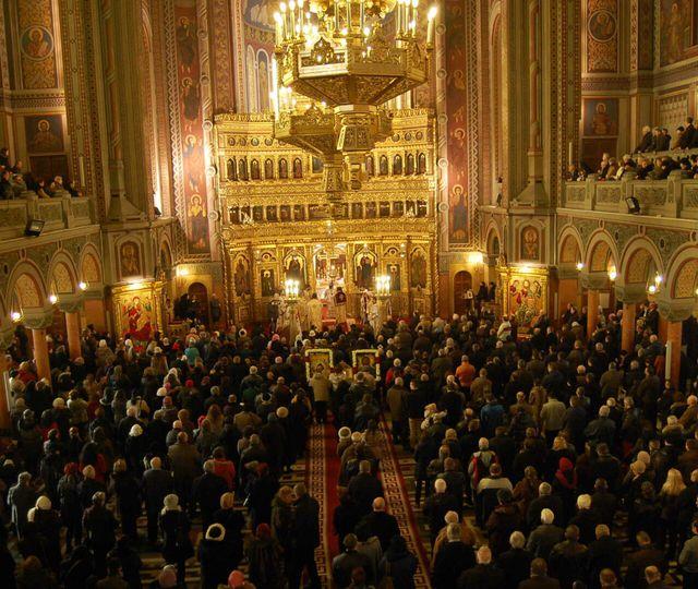 Comisia Europeană e împotriva mersului la biserică. Bruxelles-ul recomandă evitarea adunărilor pentru slujbele de Crăciun