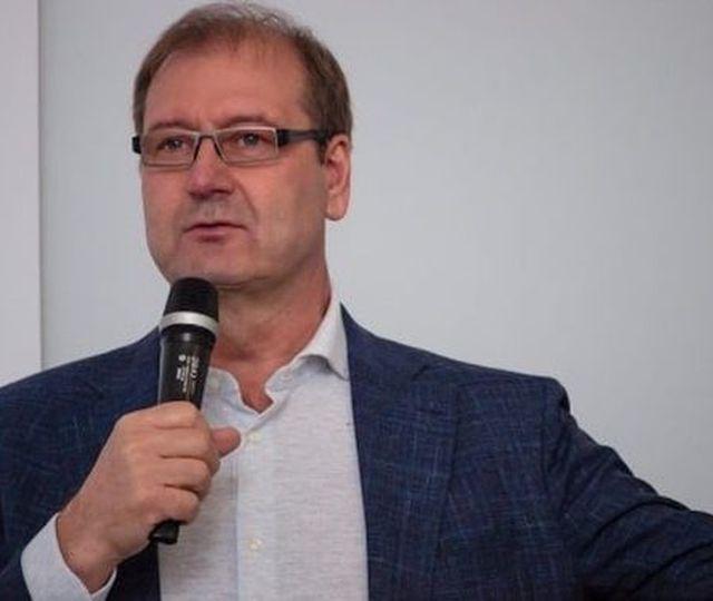 """Europarlamentar exclus pentru comentarii homofobe din Grupul Renew Europe, condus de Dacian Cioloș. Lituanianul i-a numit pe homosexuali """"perverşi"""" şi """"anormali"""""""